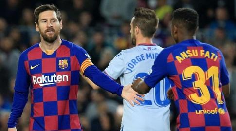 אנסו פאטי עם ליאו מסי אחרי ההחמצה (La Liga)