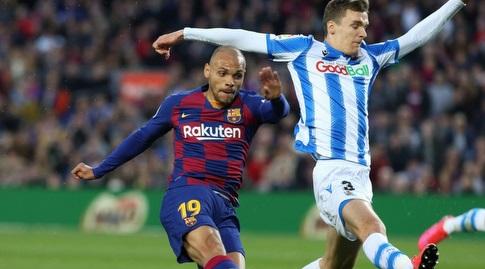 מרטין בריית'ווייט בועט תוך כדי נפילה (La Liga)