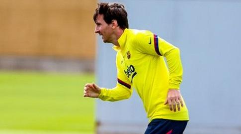 ליאו מסי באימון (האתר הרשמי של ברצלונה)