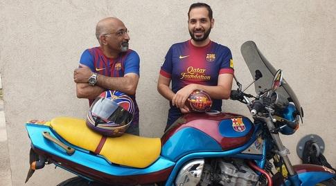 ניסן ובנו אורן עם האופנוע (באדיבות ניסן שמעון)