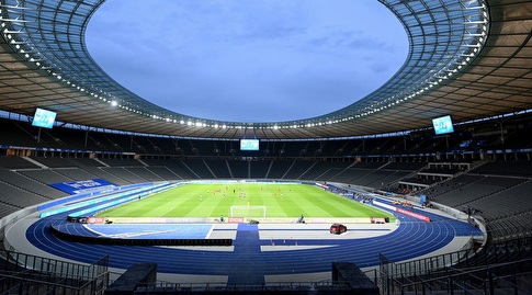 היציעים הריקים באצטדיון בברלין (רויטרס)