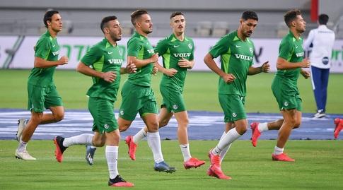 שחקני מכבי חיפה בחימום (חגי מיכאלי)