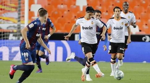 קרלוס סולר עם הכדור (La Liga)
