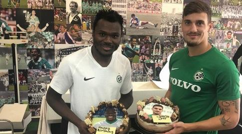 ירדן שועה וארנסט מבוקה עם עוגת היומולדת (מערכת ONE)