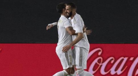 קארים בנזמה חוגג עם אדן הזאר (La Liga)