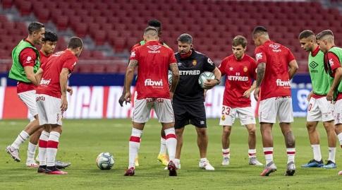 שחקני מיורקה בחימום (La Liga)