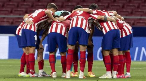 שחקני אתלטיקו מדריד לפני המשחק (La Liga)