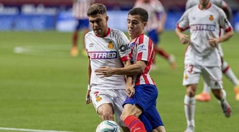 מנואל סאנצ'ס ואלחנדרו פוסו במאבק (La Liga)
