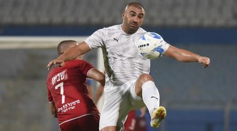 ערן לוי עם הכדור (נעם מורנו)