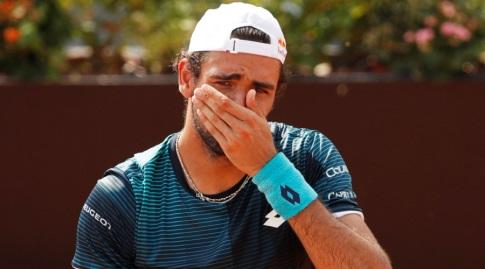 ברטיני דומע אחרי ההדחה מהטורניר הביתי (רויטרס)