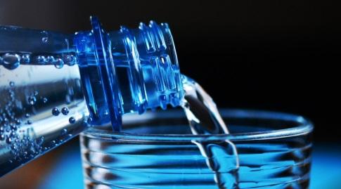 הקפידו על שתיית מים (congerdesign)