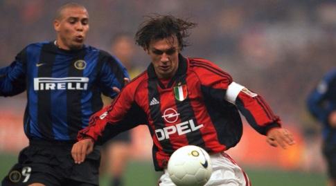 פאולו מלדיני מול רונאלדו. האגדות של תחילת שנות ה-2000 (רויטרס)
