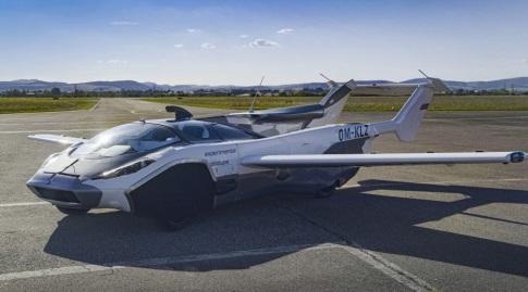 ה-Air Car כשהיא בתור מטוס (האתר הרשמי)