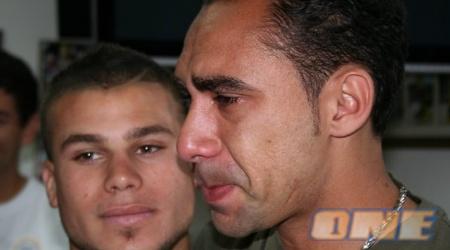רמאליו לא הצליח לעצור את דמעות (גיא בן-זיו)