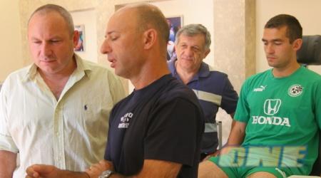 לוקאש סורמה בבדיקות הרפואיות בחיפה (עמית מצפה)
