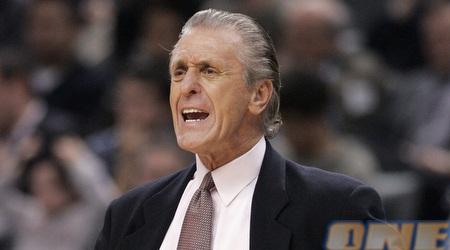 """פט ריילי: """"ליבינגסטון הוא אחד הצעירים המוכשרים אי פעם ב-NBA"""" (רויטרס )"""