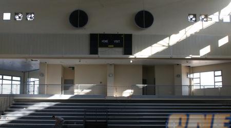 עוד מבט לתוך האולם (תומר גבאי)