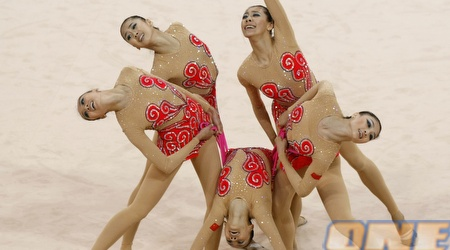 הנבחרת הסינית. הפתיעו כשזכו במדלית הכסף (צלם: רויטרס )