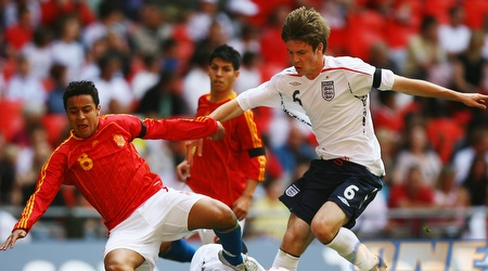 תיאגו אלקנטרה (משמאל) במדי נבחרת ספרד. הדבר הגדול הבא (GettyImages)