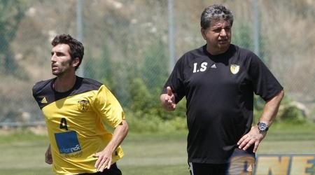 """יצחק שום ואריק בנאדו. """"היחסים עם המאמן מצויינים"""" (אמיר לוי)"""
