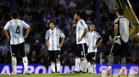 שחקני ארגנטינה לא מעכלים את ההפסד (רויטרס)