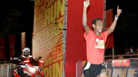 חגיגת המנצח במירוץ (אמיר לוי)