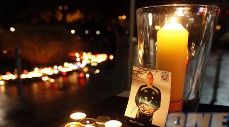הנרות דולקים באתר הזכרון המאולתר לאנקה (רויטרס)
