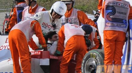 טימו גלוק מקבל עזרה ראשונה אחרי התאונה הקשה שעבר בשנה שעברה (רויטרס)