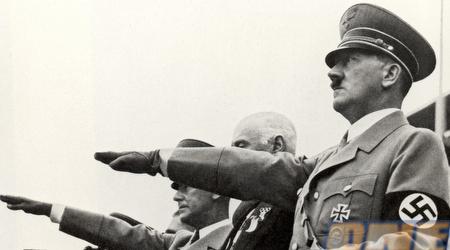 היטלר באצטדיון האולימפי. ההפסד השפיל את הנאצים (GettyImages)