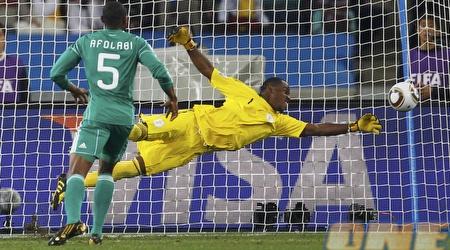 וינסנט אניימה. שוערה הראשון של הנבחרת הניגרית (רויטרס)