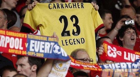 אוהדי ליברפול במשחק ההוקרה לקראגר באנפילד (Daily Mail)