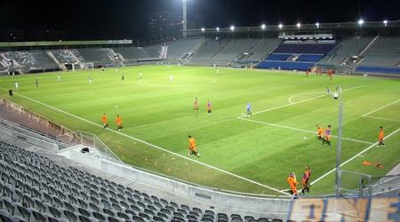 אצטדיון בלומפילד ריק מקהל. כבר התרגל (יניב גונן)