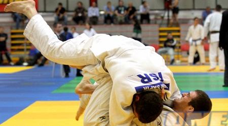 סוסו פלאלשווילי (התחתון). מצוין בטורניר גביע העולם (שי לוי)