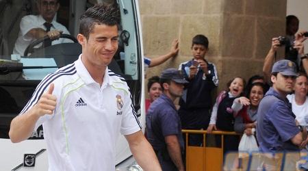 כריסטיאנו רונאלדו מגיע לאצטדיון במורסיה (רויטרס)