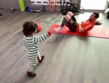 ליאו מסי מתאמן עם בנו