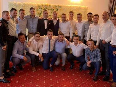 קבוצה מליגה רביעית ברומניה בחרה ללכת לחתונה מאשר לשחק