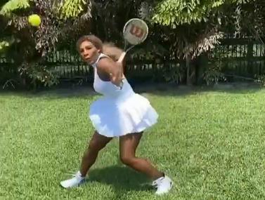 סרינה וויליאמס משחקת נגד עצמה