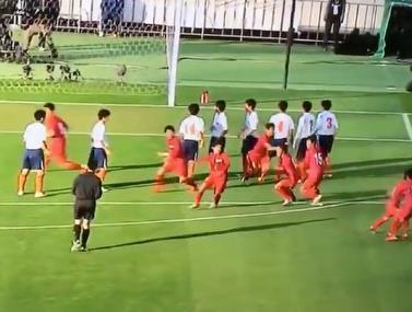 קבוצה מליגת החובבים של גרמניה עם תרגיל מעולה