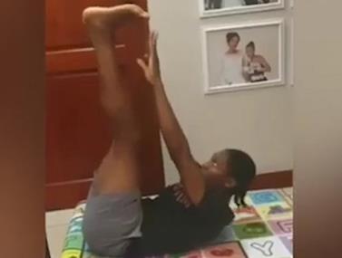 קסטר סמניה מנצחת את רונאלדו באתגר הבטן