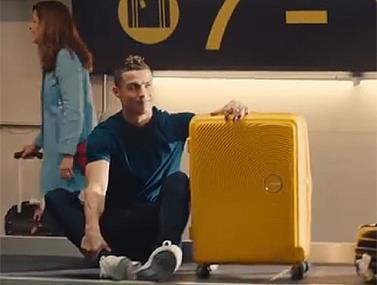 פרסומת חדשה של רונאלדו לחברת מזוודות