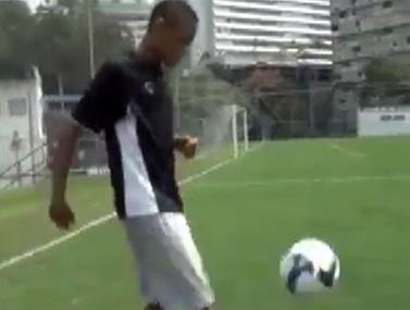 וידאו של הברזילאי בצעירותו
