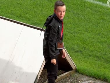 הילד הציל את הכדור האבוד וזכה לתשואות