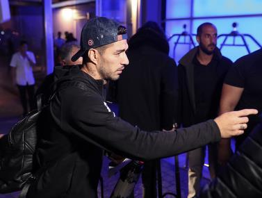 צפו: סוארס וחבריו מגיעים למלון בת״א