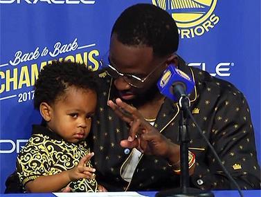 """כוכב ה-NBA הביא את בנו למסע""""ת"""