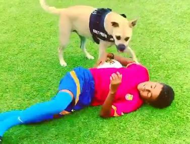 כמו מסי: הבן של קלייברט מתאמן עם הכלב