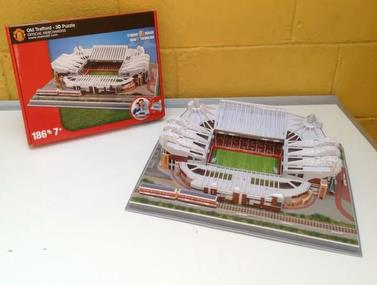 איך לבנות מפאזל את אצטדיון אולד טראפורד?