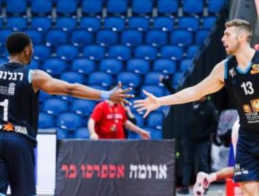 אילת עולה למקום ה-2 עם 95:104 על ירושלים