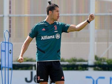 בסיום האימון של יובנטוס רונאלדו מפגין יכולת דיוק לסל עם הרגל