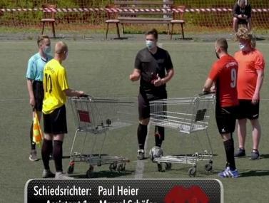 נמצאה השיטה לשחק כדורגל עם שמירת מרחק