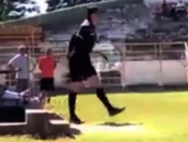 ברזיל: השופט שוטר במקצועו טען שהשחקן חבט בו